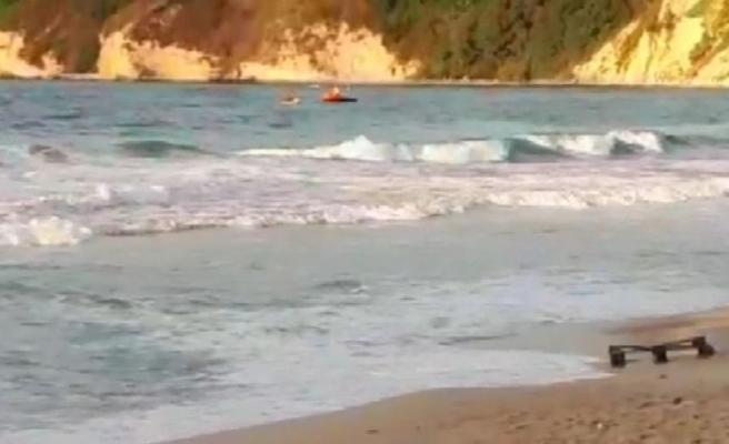 İstanbul'da denize giren 3 çocuktan biri kayboldu