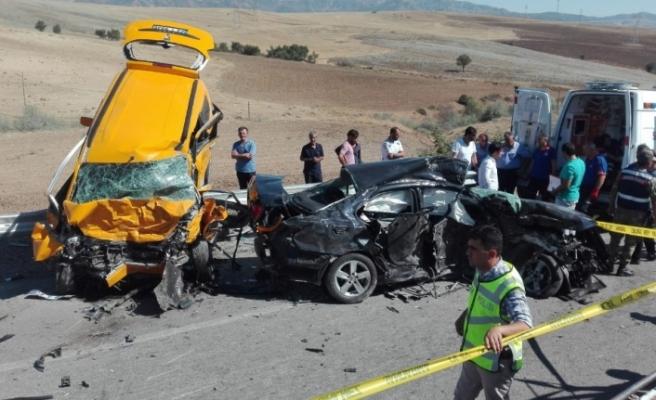 Kazada ölen 3 kişinin kimliği belirlendi