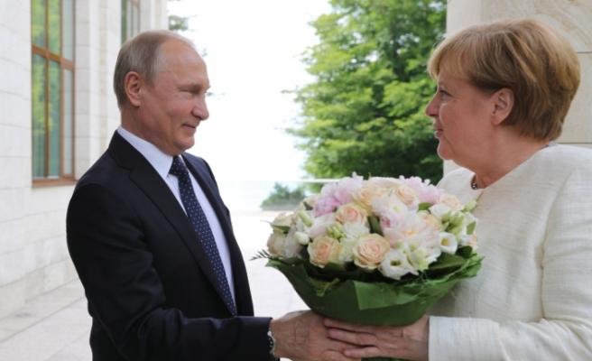 Merkel ve Putin Berlin'de görüşecek