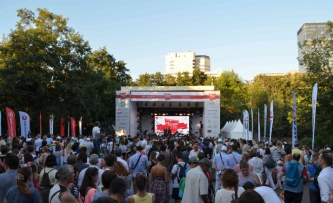 Moskova'da Türk festivaline yoğun ilgi