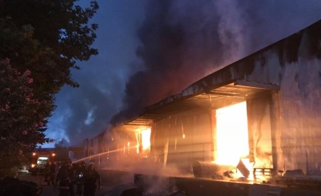 OSB içindeki dev fabrika alev alev yandı