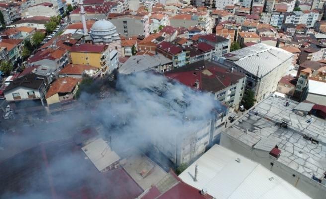 Tekstil atölyesindeki yangın havadan görüntülendi