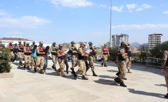 9 YPG/PKK'lı terörist tutuklandı