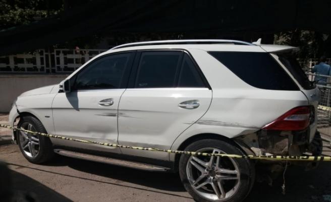 Belediye başkanının aracına silahlı saldırı