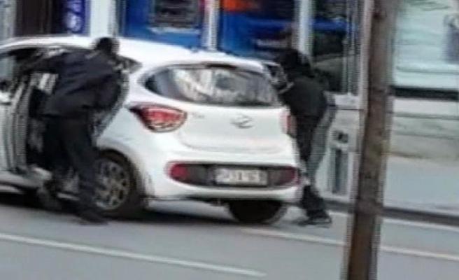 Döviz bürosu soyguncularından 2'si yakalandı