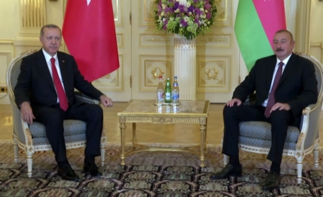 Erdoğan Aliyev'le görüştü