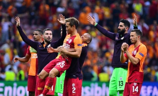 Hem Süper Lig'de hem Şampiyonlar Ligi'nde lider