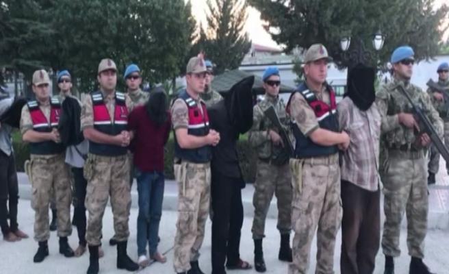 MİT, 9 teröristi Afrin'de yakalayıp Türkiye'ye getirdi