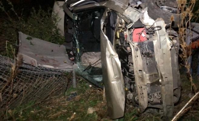 Otomobil 50 metrelik ormanlık alana uçtu: 2 yaralı