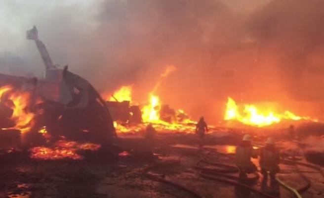 3 fabrikayı saran alevler söndürüldü