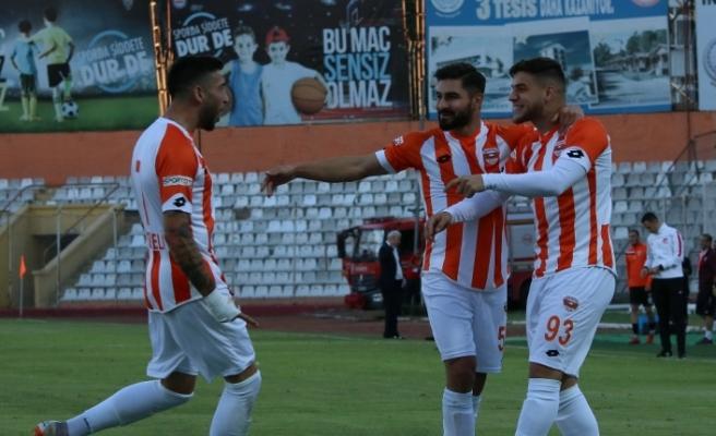 Adanaspor Karabük'ü 4 golle geçti