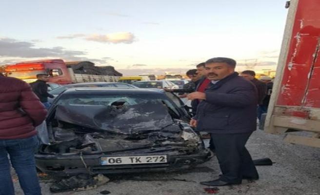 Başkent'te zincirleme trafik kazası: 6 yaralı