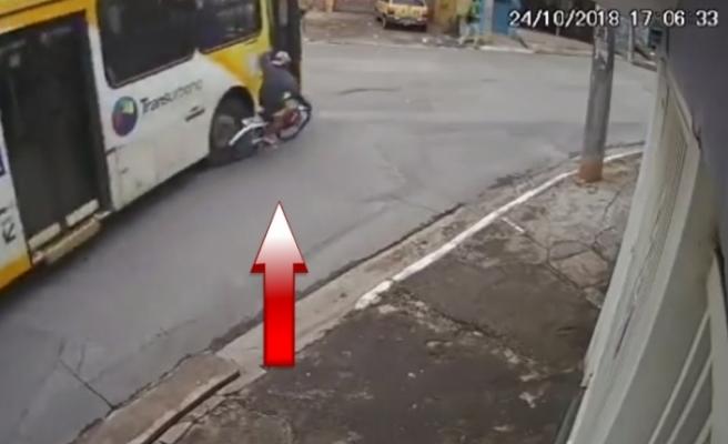 Bisikletli çocuk otobüsün altında kaldı
