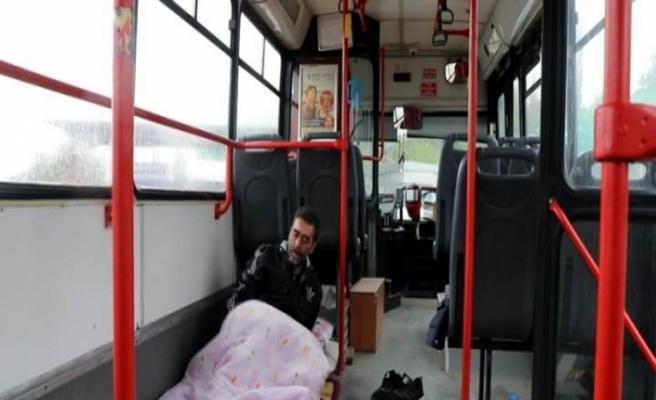Bozuk halk otobüsünde yaşam
