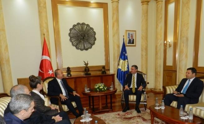 Çavuşoğlu Kosova Meclis Başkanı Veseli ile görüştü