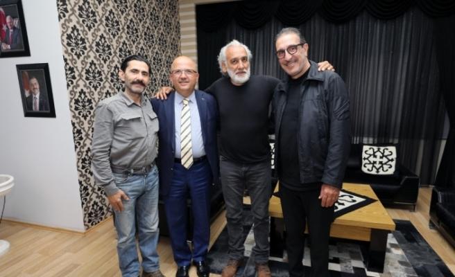 Cem Özer'in sağlık durumu ile ilgili hastaneden açıklama