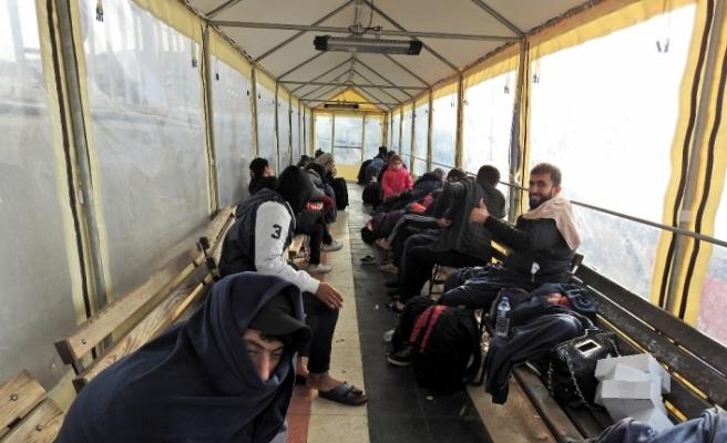 Çeşme açıklarında 90 sığınmacı yakalandı