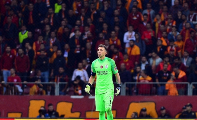 Galatasaray'da Fenerbahçe ile en çok Muslera karşılaştı
