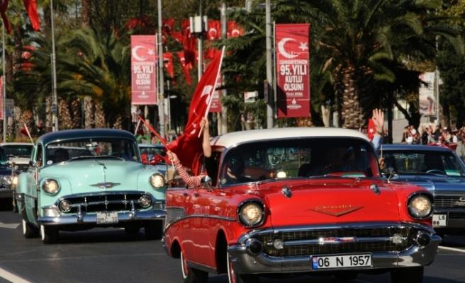 İstanbul'da kutlamaların adresi Vatan Caddesi