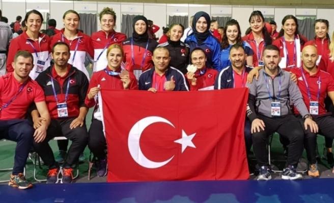 Kadın Güreş Milli Takımı tarih yazmaya devam ediyor