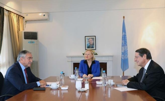 Kıbrıslı liderler 6 ay sonra bir arada