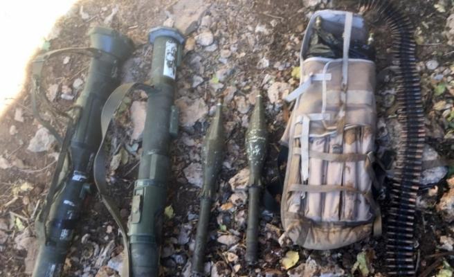 Komandolar teröristlerin inlerini temizlemeye devam ediyor