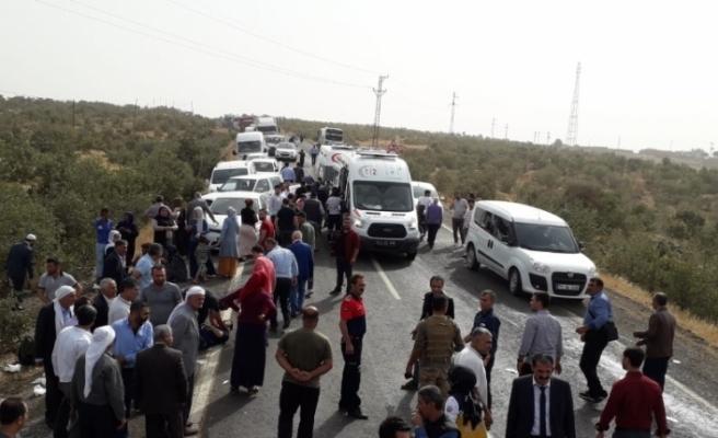 Mardin'de feci kaza: 2 ölü, 17 yaralı
