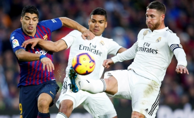 Messi'siz Barcelona Madrid'i dağıttı