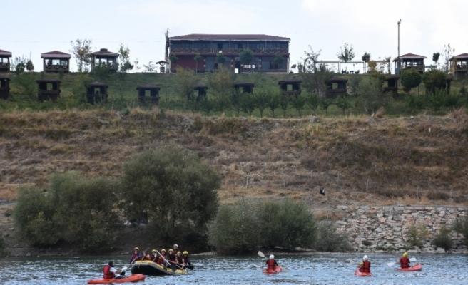 Muş'ta 'Su Sporları Şenliği' düzenlendi