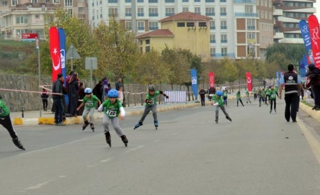 Paten yarışı renkli görüntülere sahne oldu