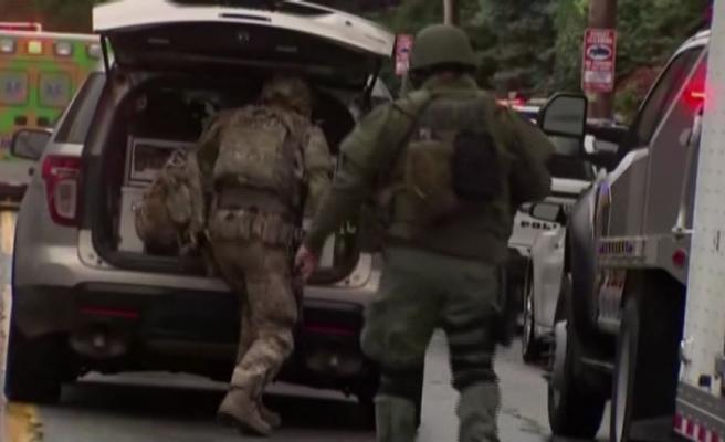 Sinangog saldırısında 10 kişi öldü