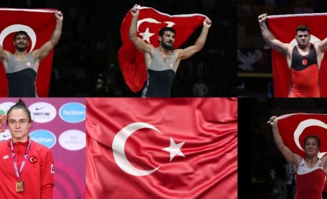Türkiye'yi temsil edecek güreşçiler belli oldu