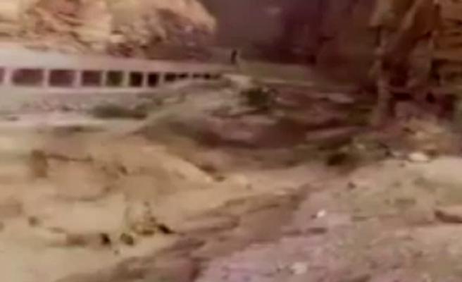 Ürdün'de sel felaketi: 14 öğrenci öldü