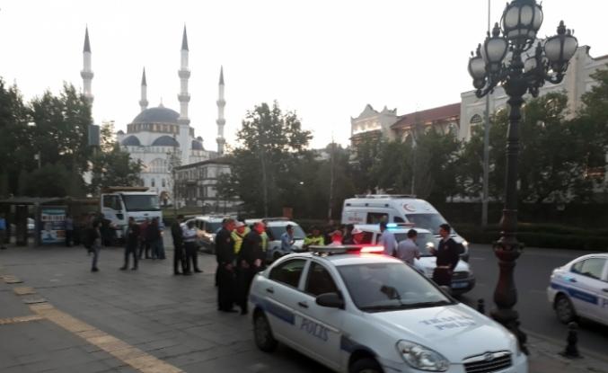 Polisle saldırganlar arasında arbede: 3 yaralı