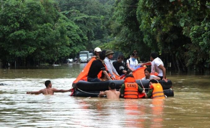 Vietnam'da sel ve toprak kayması: 7 ölü, 12 kayıp