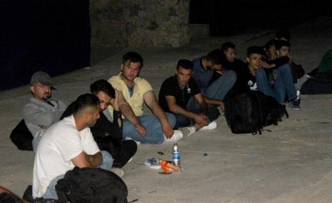 Çanakkale'de 64 kaçak göçmen yakalandı