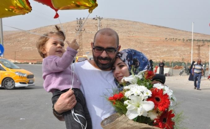 Suriyeli şahıs eşine ve kızına 2 yıl sonra kavuştu