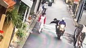 Motosikletli köpek hırsızları kamerada
